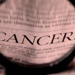 """Metaforele despre """"războiul cu cancerul"""" fac mai mult rău decât bine"""