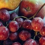 Consumul de mere, fructe de pădure şi ceai are efecte benefice în prevenirea bolii Alzheimer