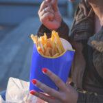 Hrana ultraprocesată, asociată cu riscul de boli cardiovasculare
